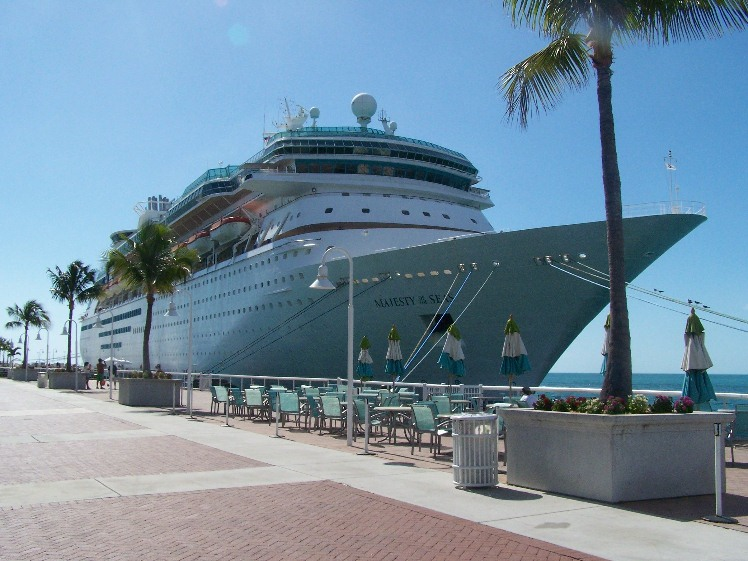 Majestic casino cruise amerihost rainbow casino vicksburg - best deal